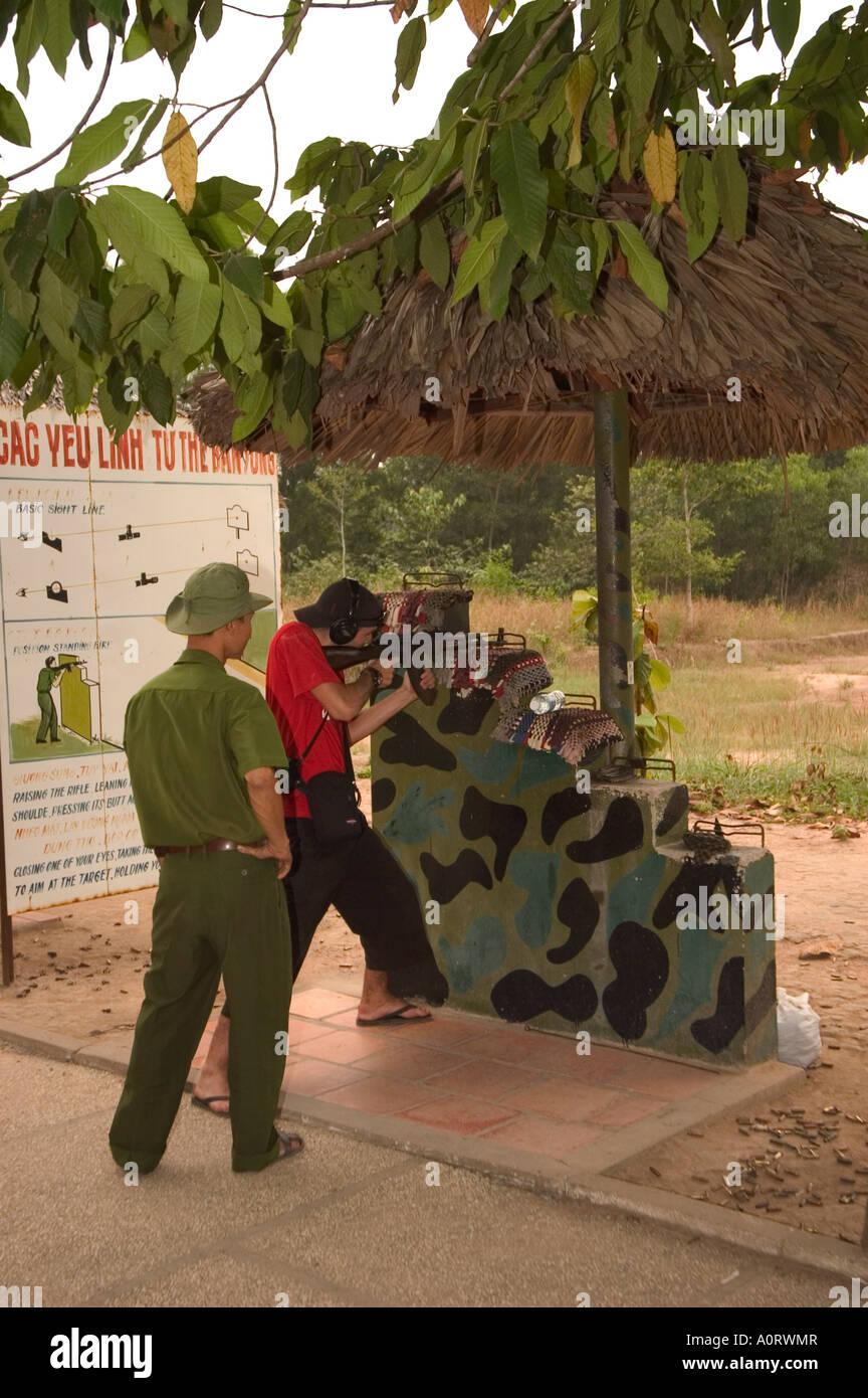 Poligono di tiro ai Tunnel di Cu Chi sud del Vietnam Asia del sud-est asiatico Immagini Stock