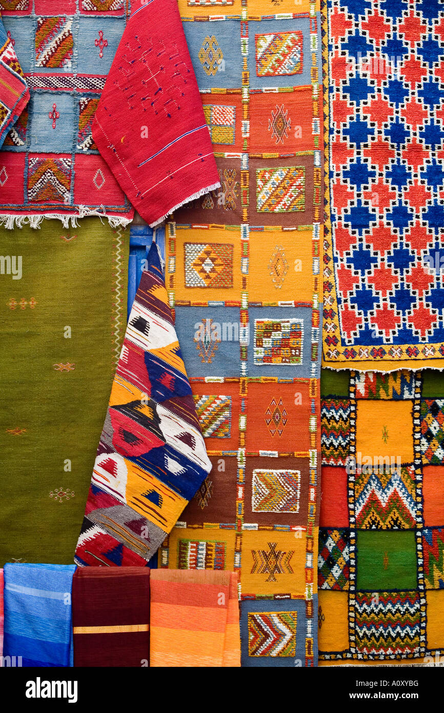 Tappeto per vendita a medina città vecchia essaouira marocco Immagini Stock