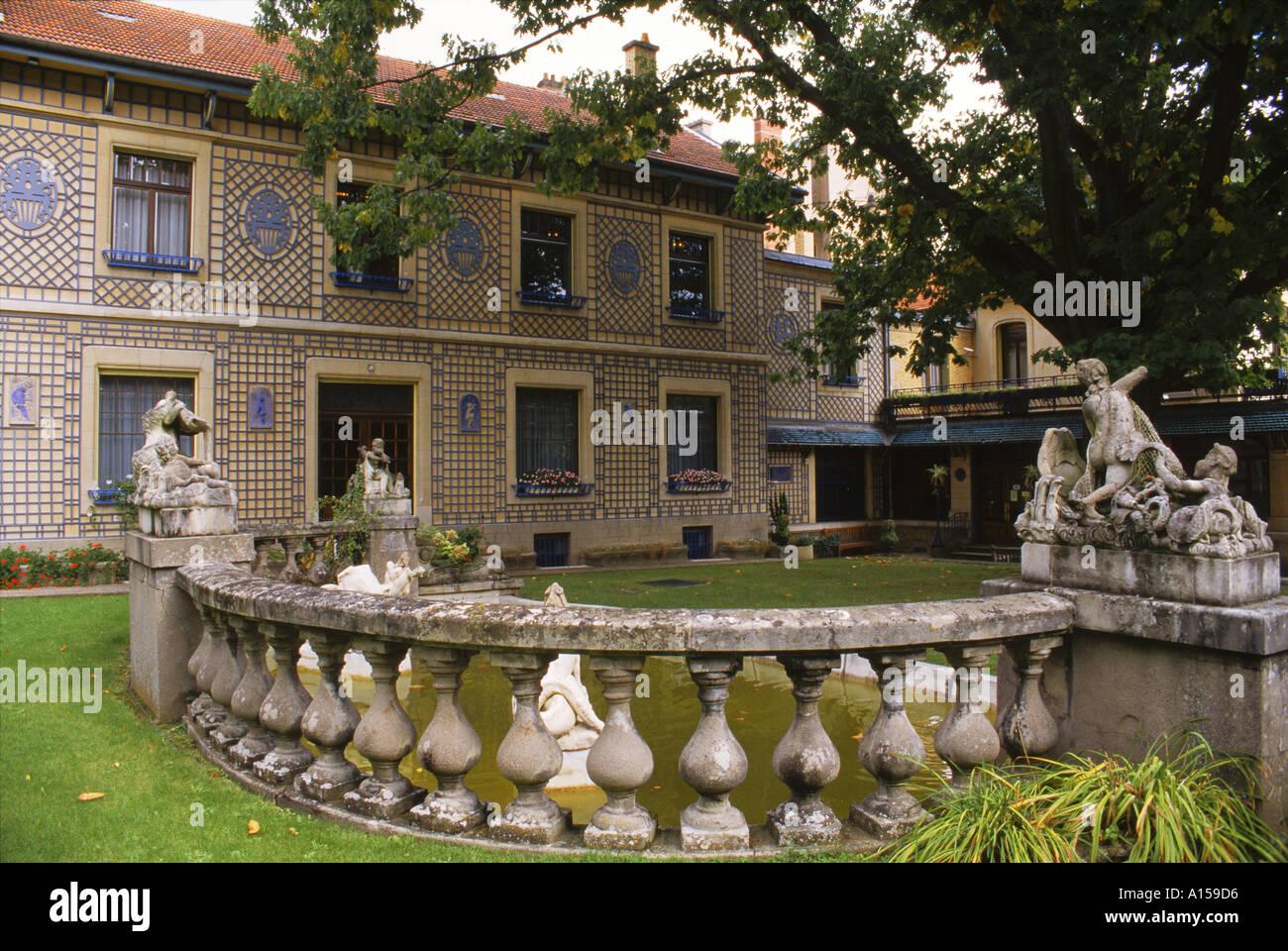 Balaustra e decorate esterno dell'Art Nouveau Musee de l apos Ecole de Nancy Lorraine Francia un Woolfitt Foto Stock
