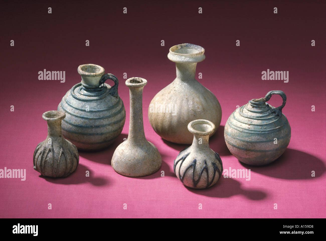 Bottiglie di vetro Tylos periodo nuovo Museo Nazionale di Manama Bahrain Medio Oriente un Woolfitt Immagini Stock