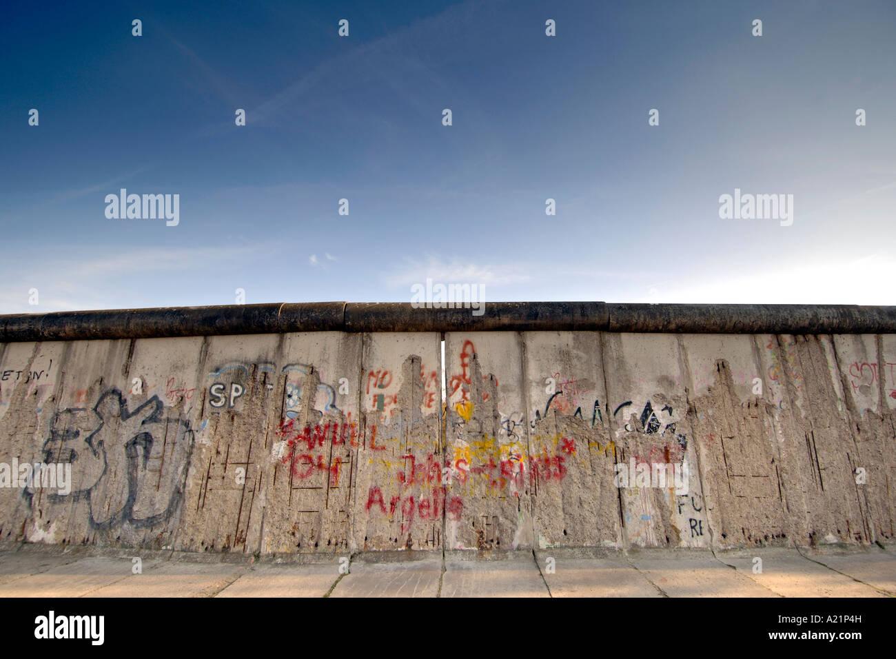 Il muro di Berlino lungo Bernauer Straße a Berlino Est della Germania. Immagini Stock