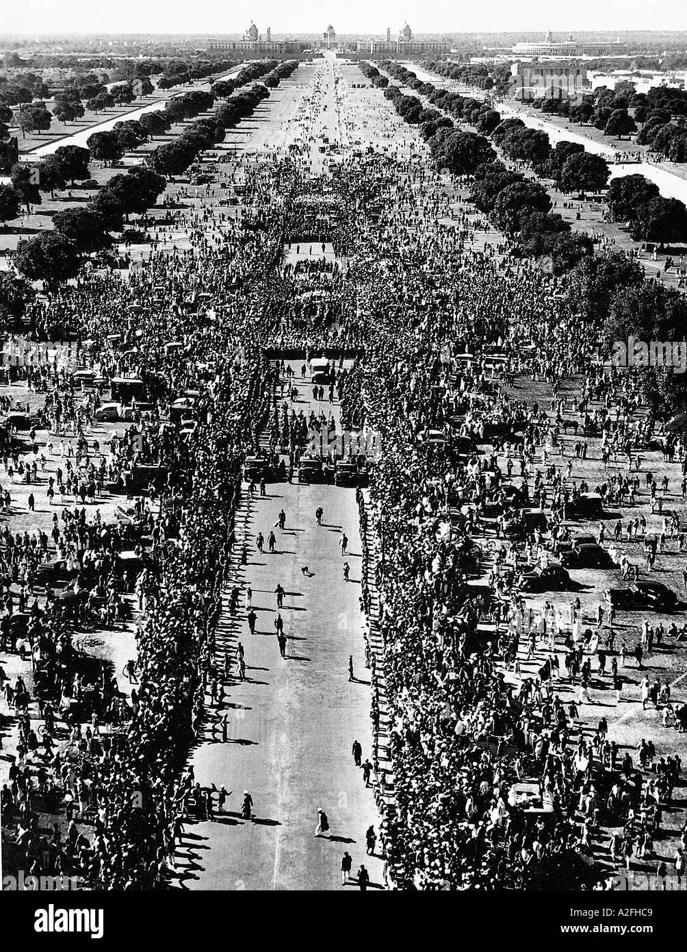 MKG33607 enorme milioni massiccia folla presso l ultimo viaggio del Mahatma Gandhi India 31 Gennaio 1948 Immagini Stock