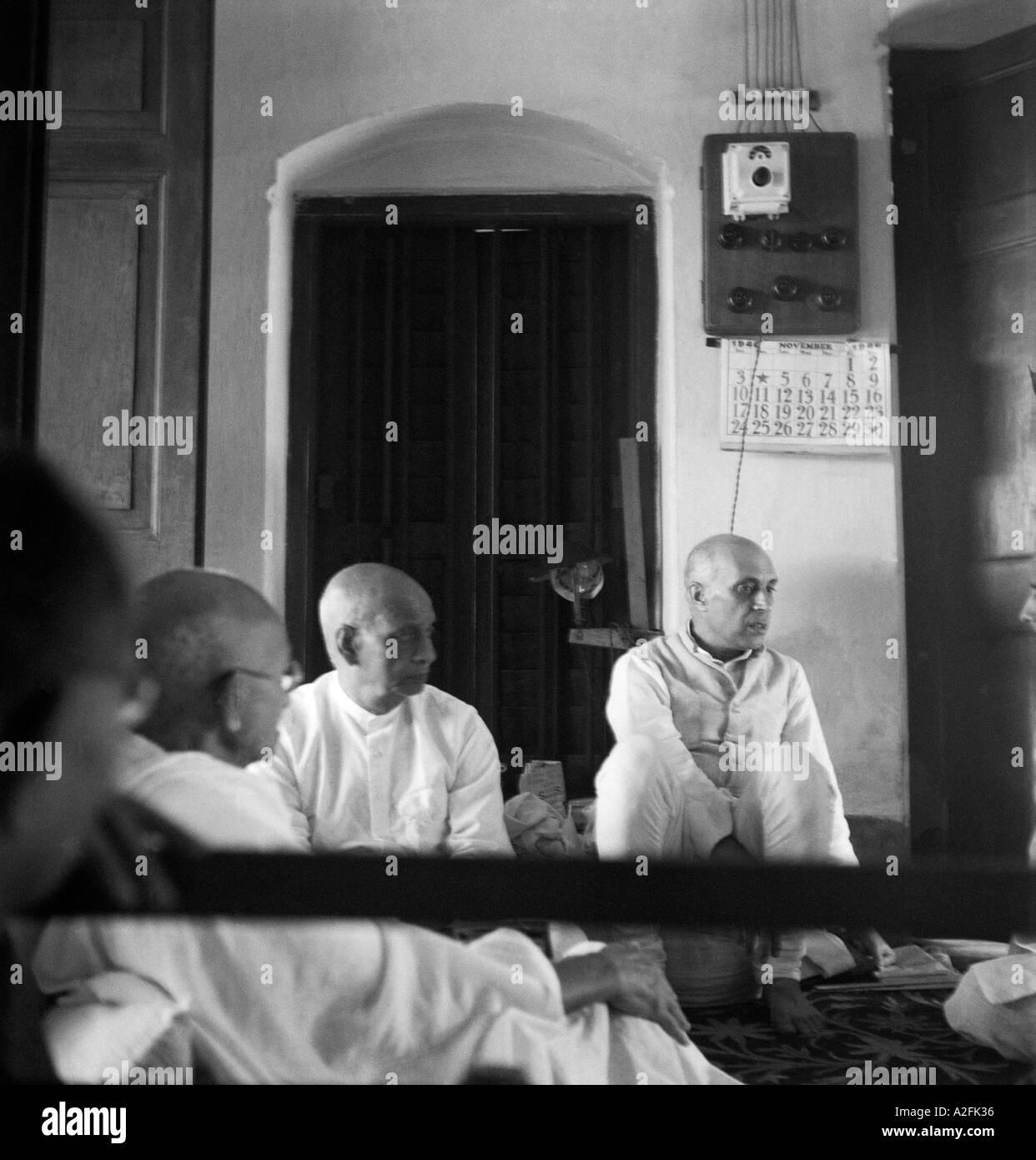 MKG33529 il Mahatma Gandhi con Sardar Vallabhbhai Patel e Jawaharlal Nehru Immagini Stock