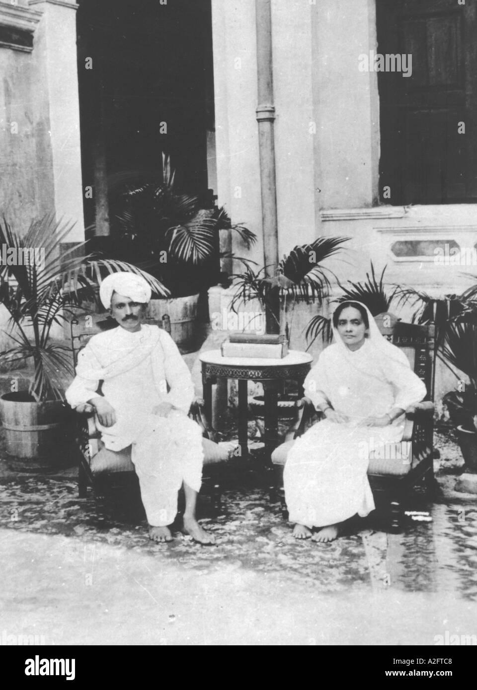 Il Mahatma Gandhi con sua moglie Kasturba 1915 Immagini Stock