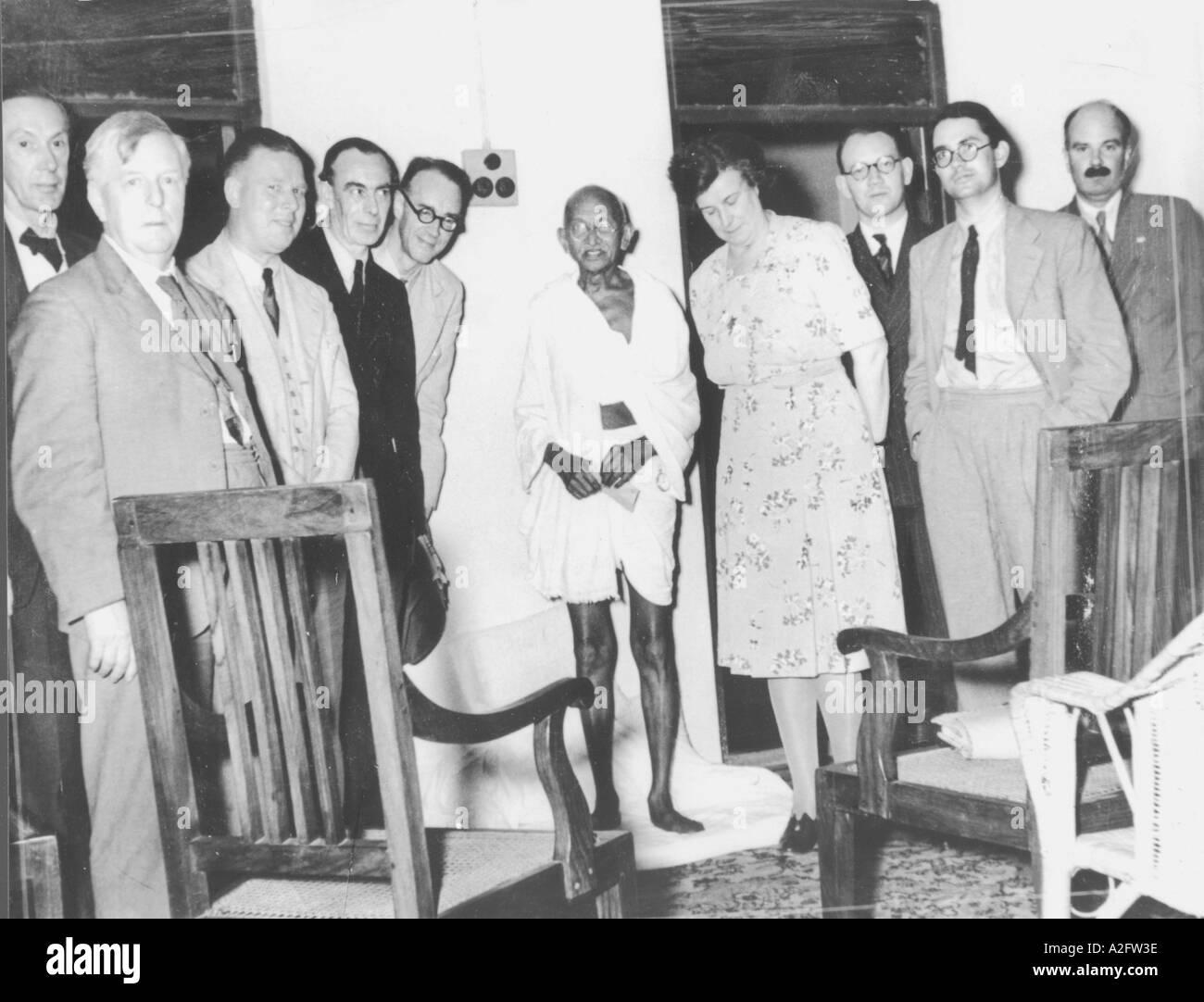 MKG33138 A British delegazione parlamentare incontrerà il Mahatma Gandhi a Chennai Madras Tamilnadu India 25 Gennaio 1946 Immagini Stock
