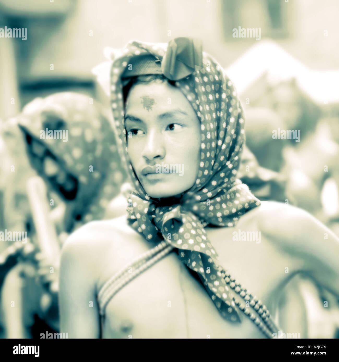 Età maschio 20-25 ad un Festival nepalese Immagini Stock