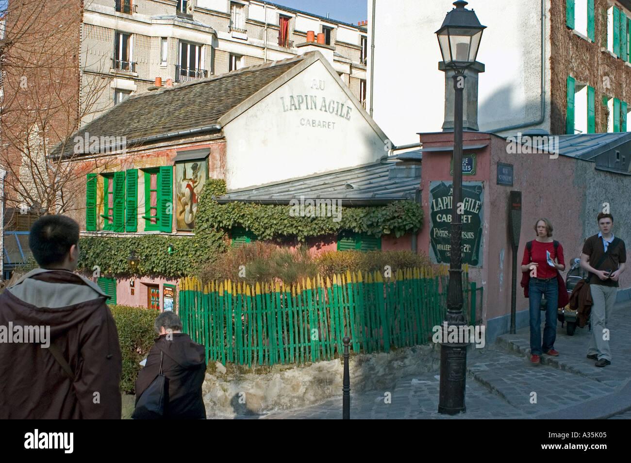 Parigi Francia, Butte Montmartre, 'lapin agile cabaret' turisti in visita Immagini Stock