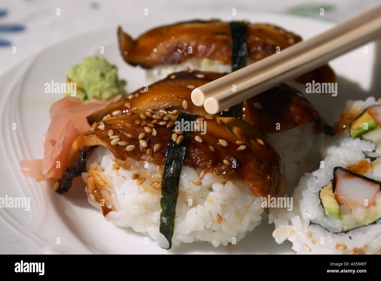 Sushi Anguilla Roll e California Roll