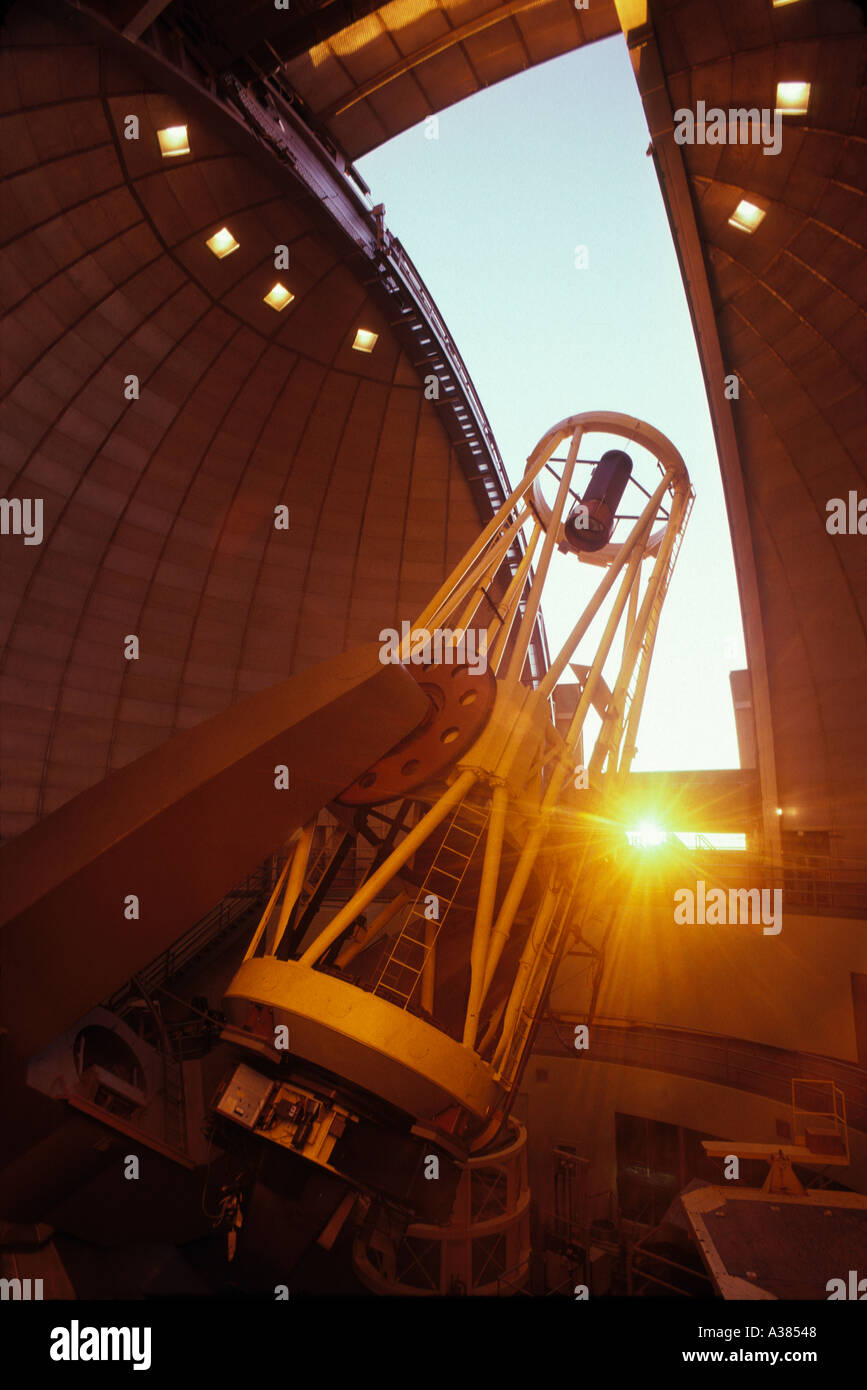 120 pollici telescopio riflettore Lick Observatory Mount Hamilton vicino a San Jose California Immagini Stock
