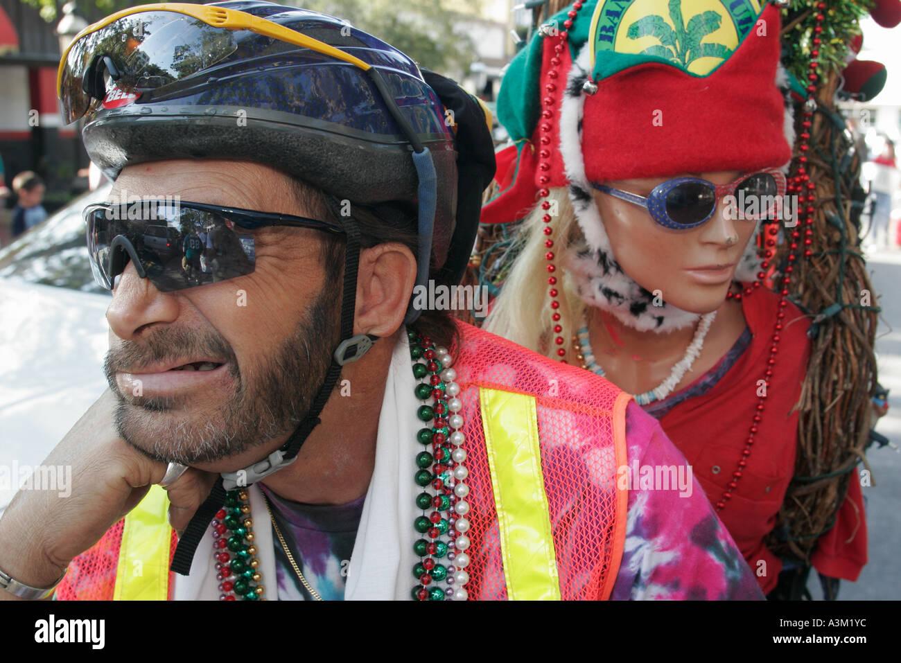 Coconut Grove Florida re del puntone di Mango annuale parata satira parodia  uomo ringhio mannequin perle 3616ace8a011