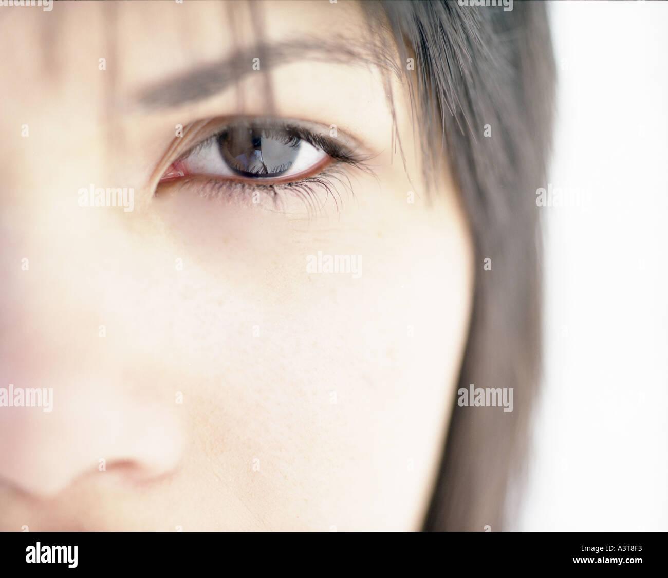 Occhi di donna fotografato frontalmente un occhio Immagini Stock