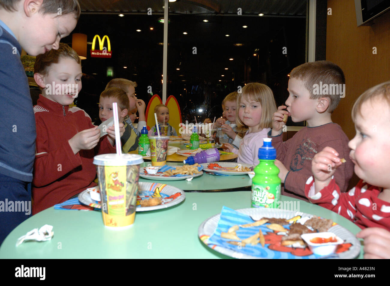 I Bambini S Festa Di Compleanno Mcdonalds Haverfordwest