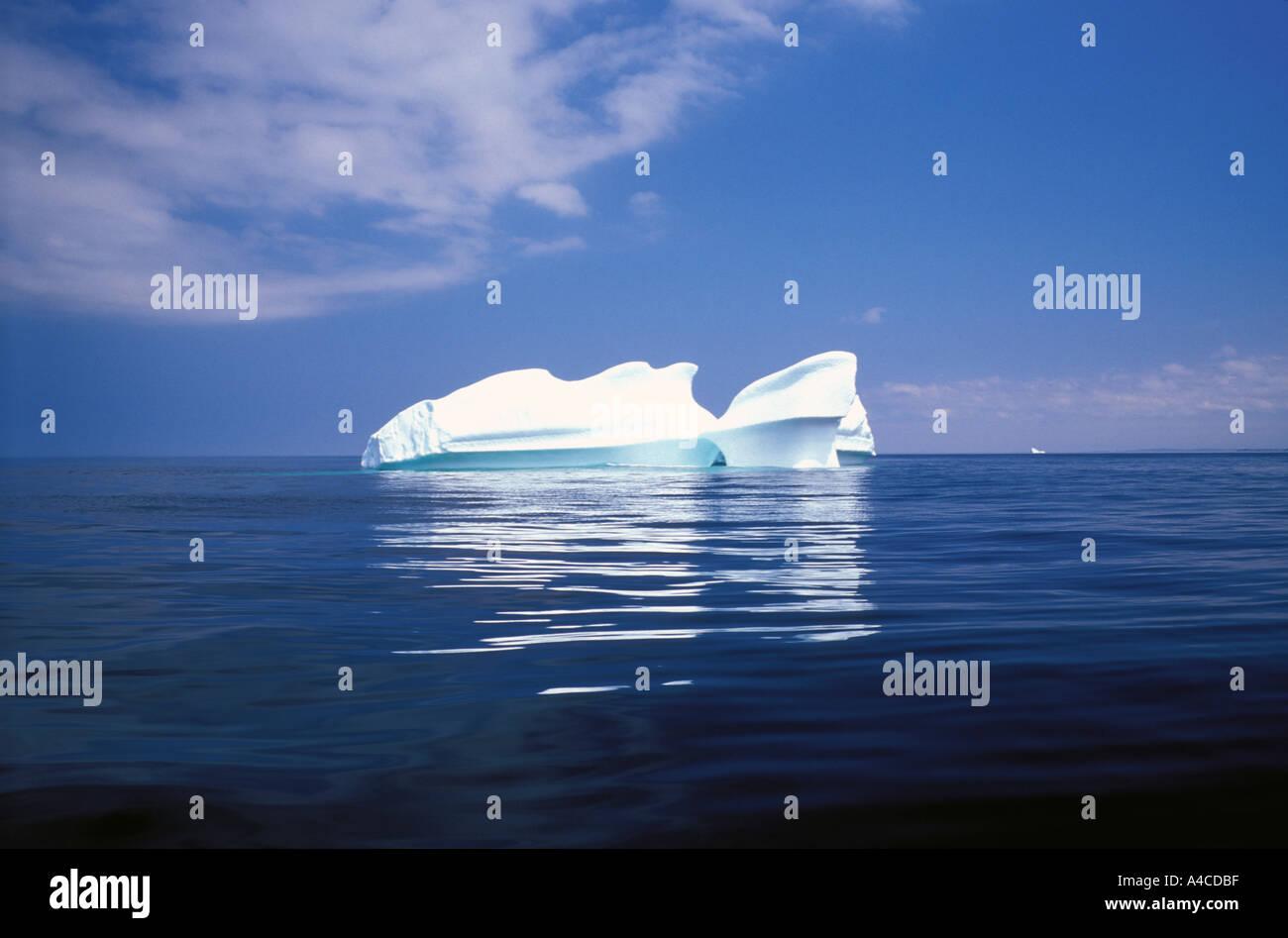 Iceberg nel Nord Atlantico vicino a cambiare le isole Terranova in Canada Immagini Stock