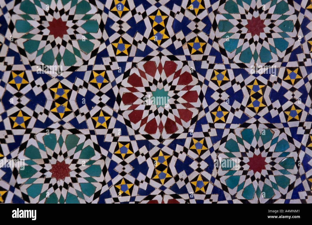 Fes el bali marocco la parete interna di piastrelle al palazzo