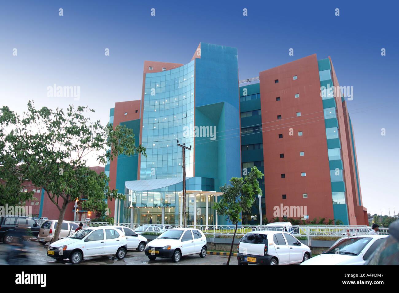 ANG77660 edificio moderno a Hi-tech Hydrabad città di Andhra Pradesh in India Asia Immagini Stock