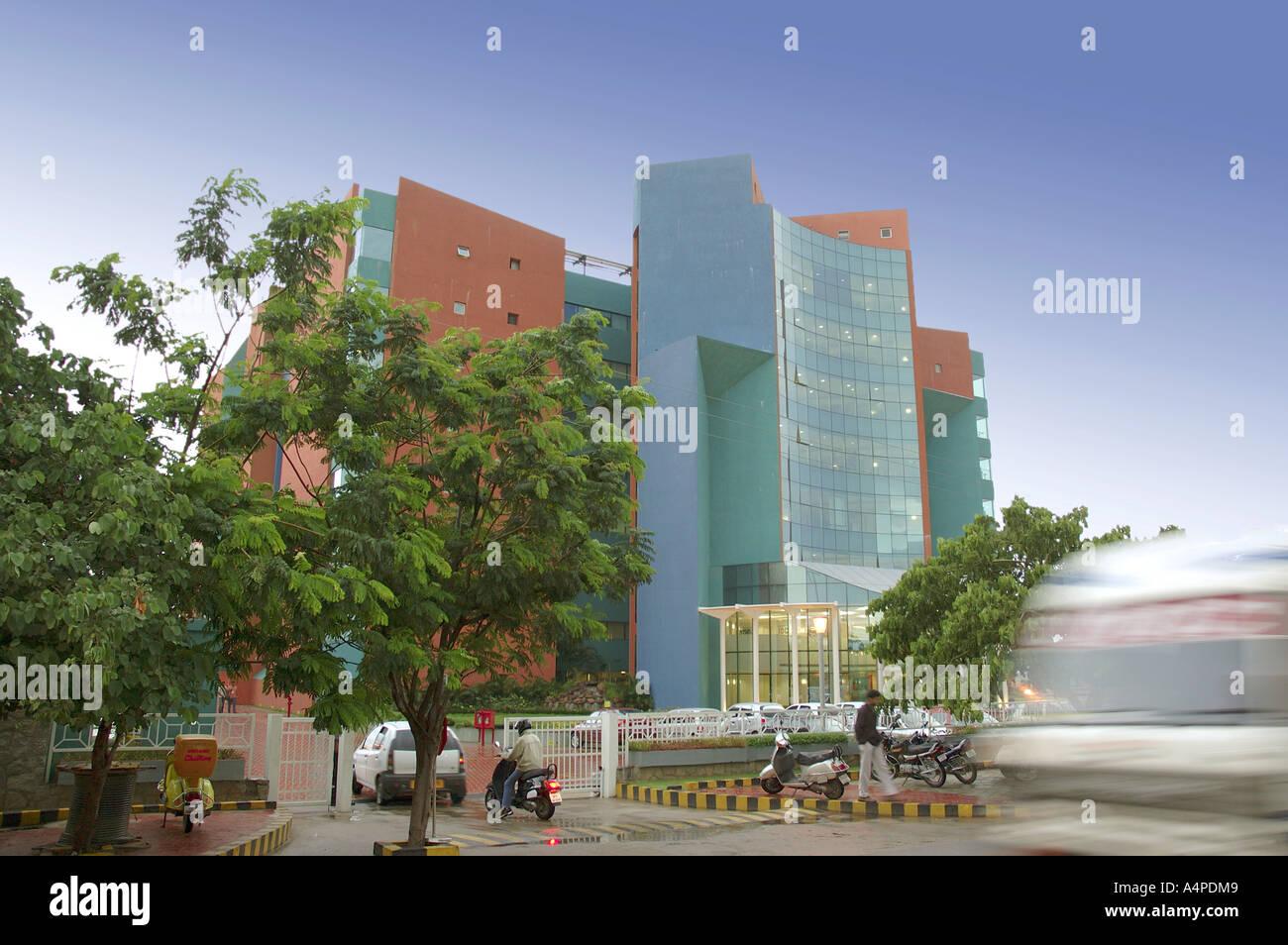 ANG77661 edificio moderno a Hi-tech Hydrabad città di Andhra Pradesh in India Immagini Stock