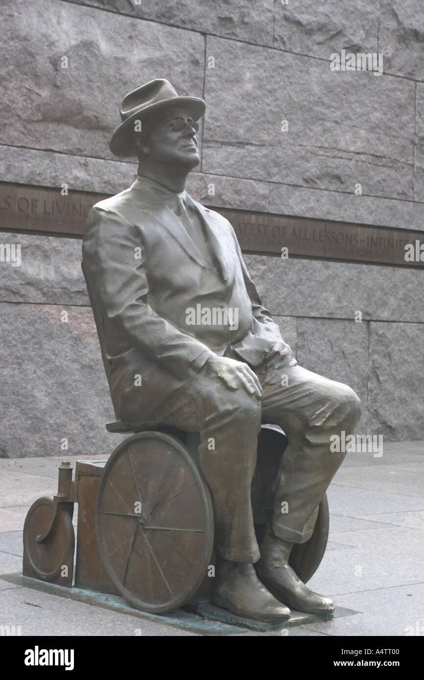 Franklin Roosevelt in una sedia a rotelle statua a FDR