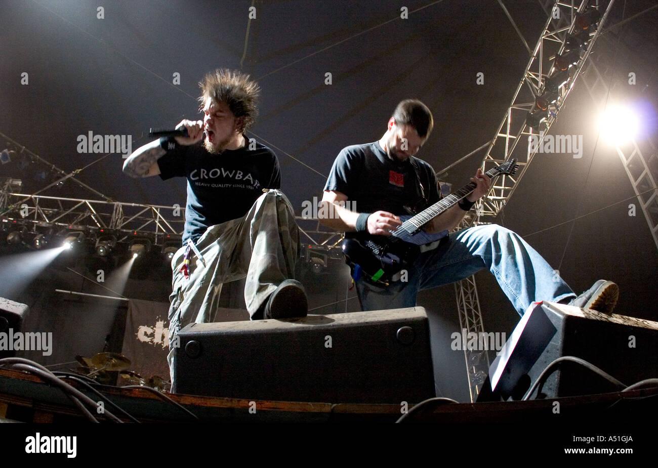Chimaira heavy metal band suonare dal vivo presso il