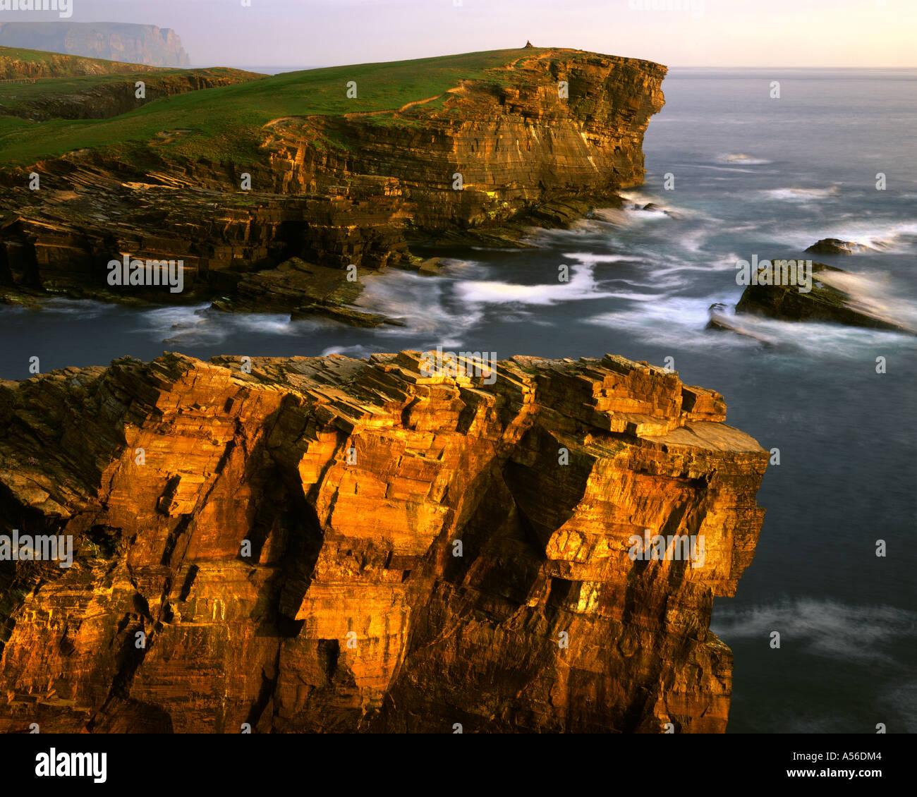 GB - Scozia: costa al Yesnaby sulla terraferma Orkney Immagini Stock