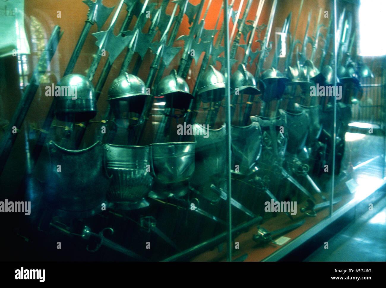 Corpo armatura e le armi a Torre di Londra, Londra, Inghilterra Immagini Stock