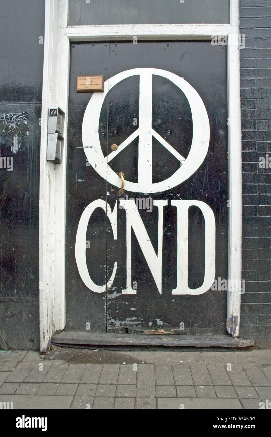 CND porta dell ufficio Holloway Road Islington London REGNO UNITO Immagini Stock