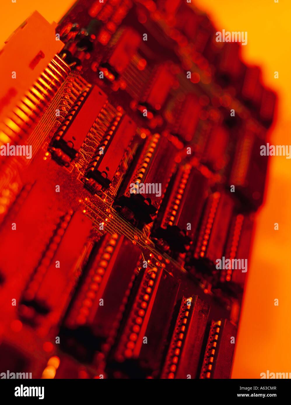COMPUTER chip di memoria sulla scheda di circuito stampato Immagini Stock