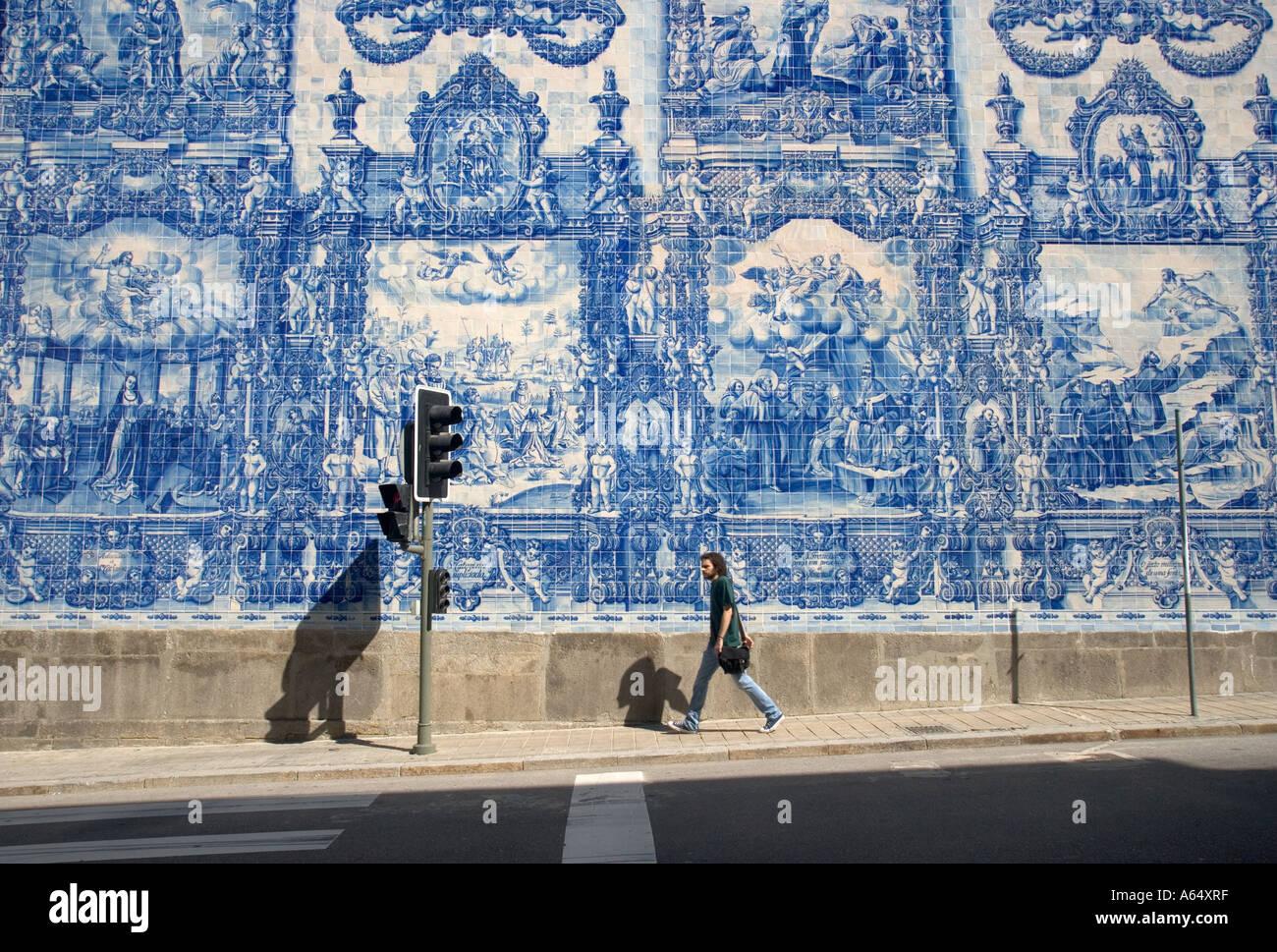 Piastrelle dipinte capela das almas porto foto immagine stock