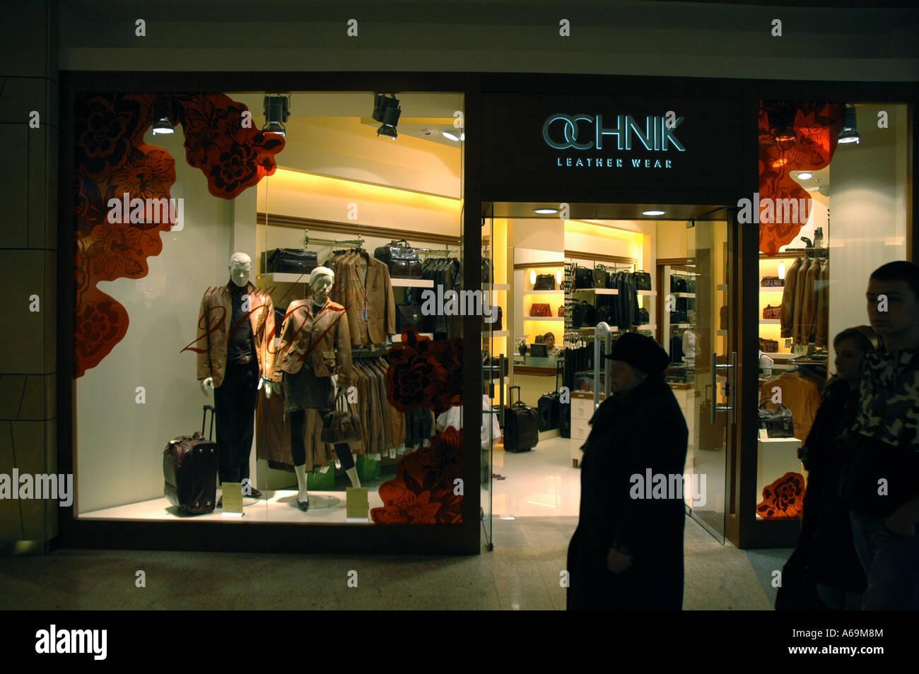 Pelle Ochnik negozio di usura in Zlote Tarasy (Golden terrazze ...