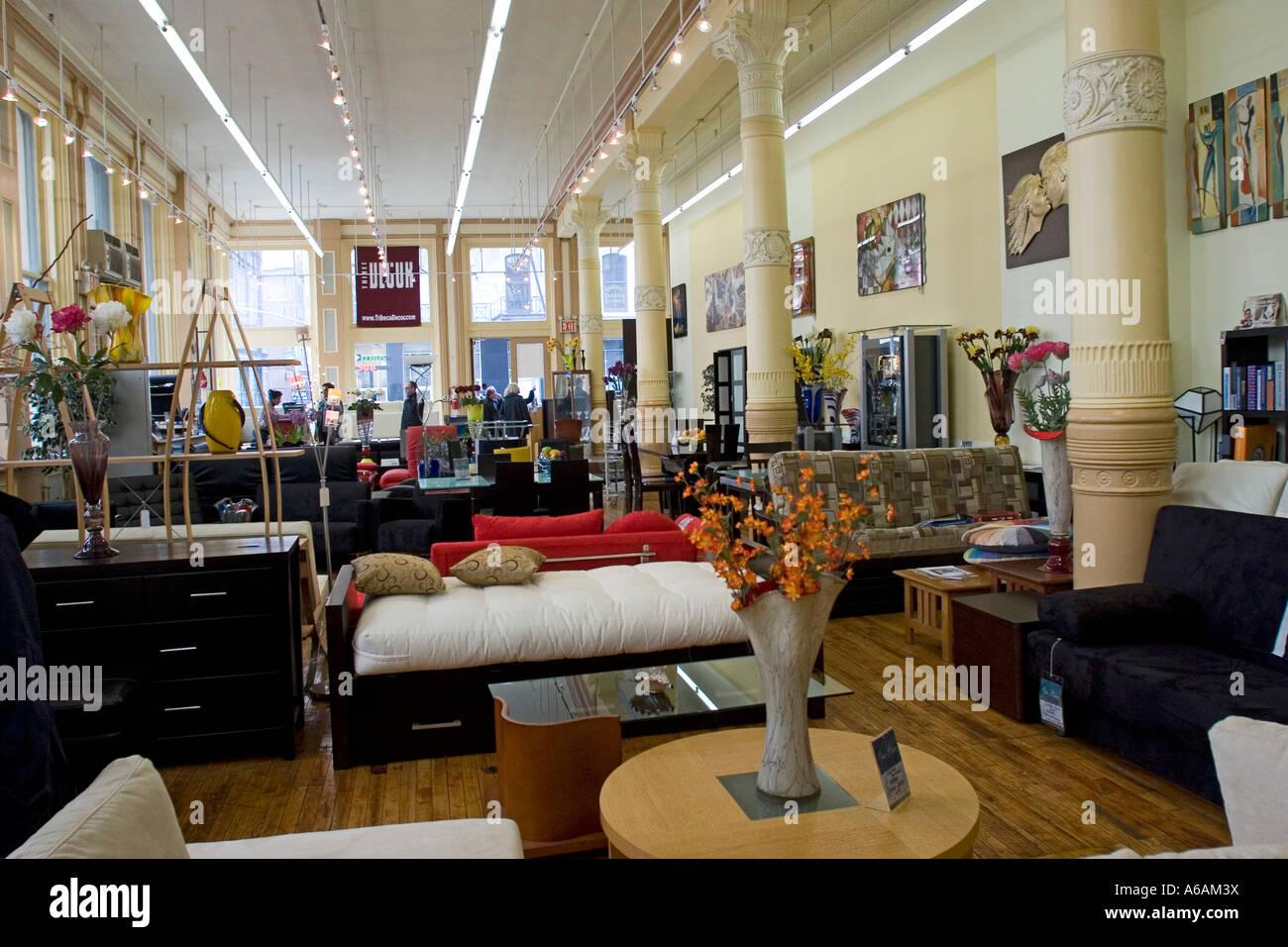 https://c8.alamy.com/compit/a6am3x/interno-di-arredamento-art-deco-e-oggetti-store-in-new-york-city-new-york-stati-uniti-damerica-a6am3x.jpg