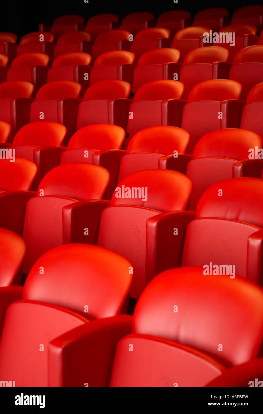 Cinema rosso sedi Immagini Stock