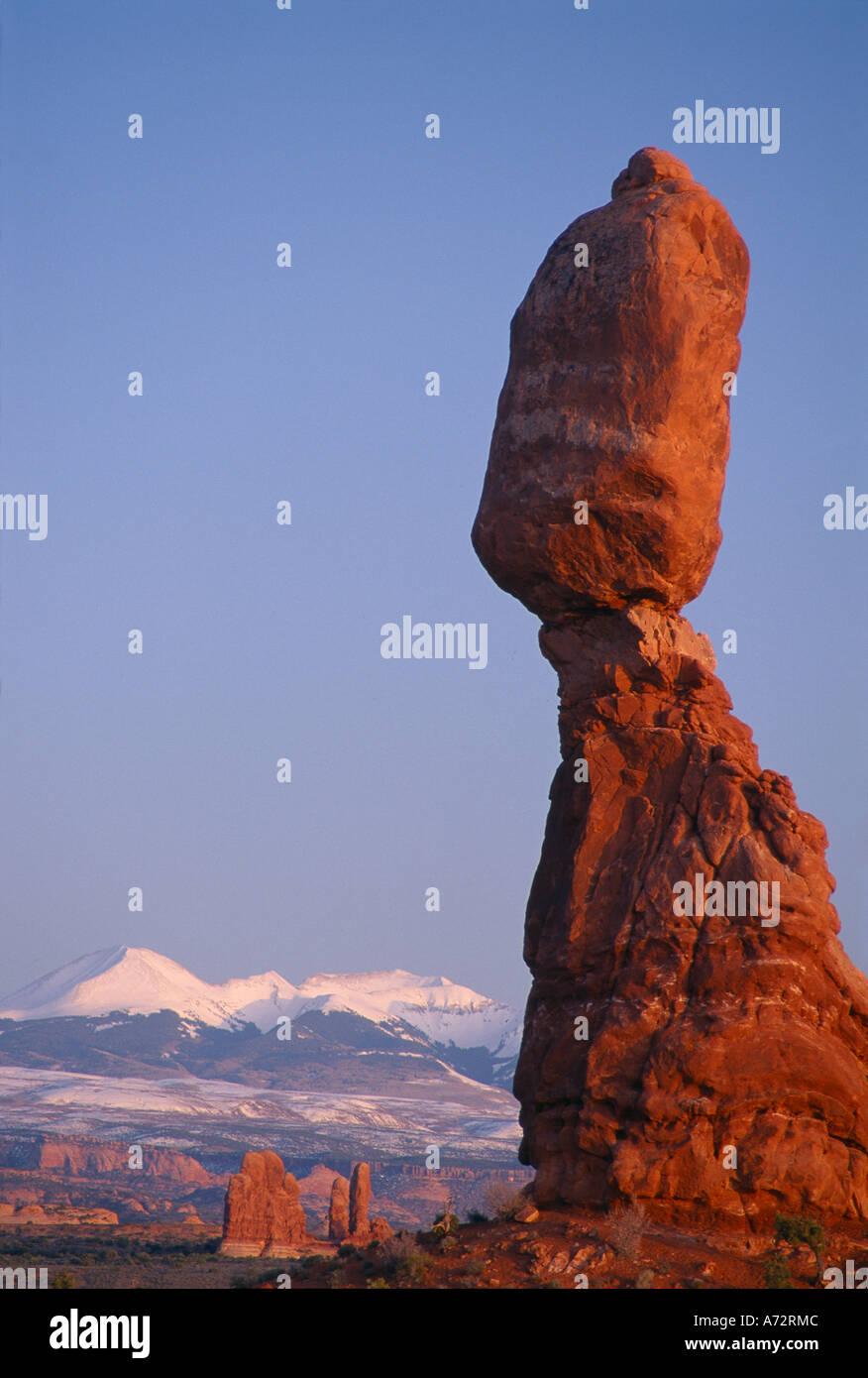 Equilibrato Rock Arches National Park nello Utah Stati Uniti d'America Immagini Stock