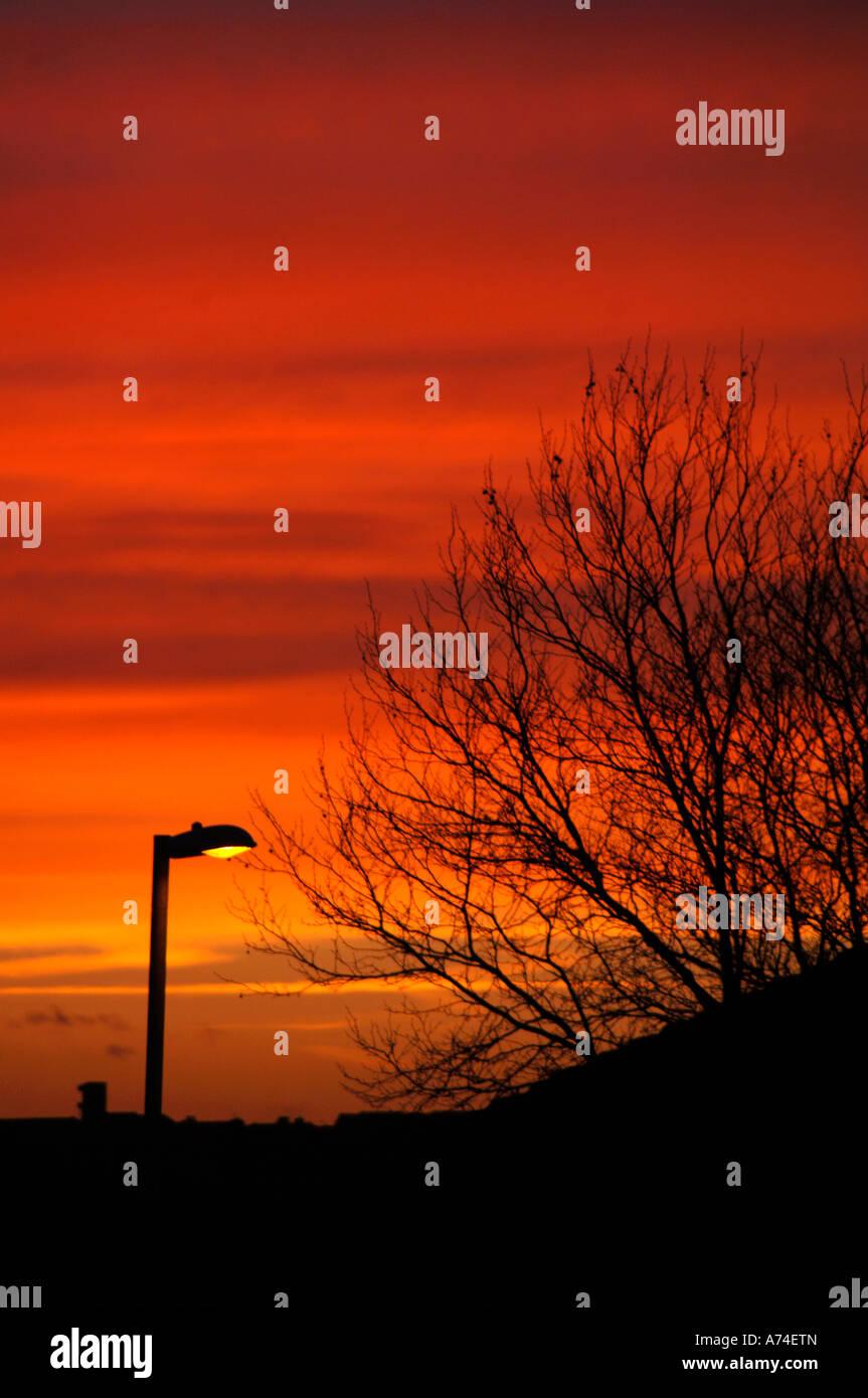Cielo Rosso Di Notte.Urban Sera Cielo Rosso Di Notte Foto Immagine Stock 11721092 Alamy