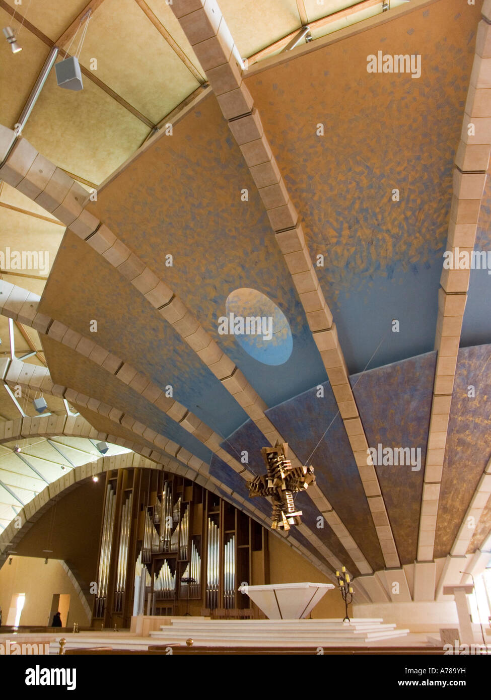 Vista Interna Della Nuova Chiesa Di Padre Pio In San