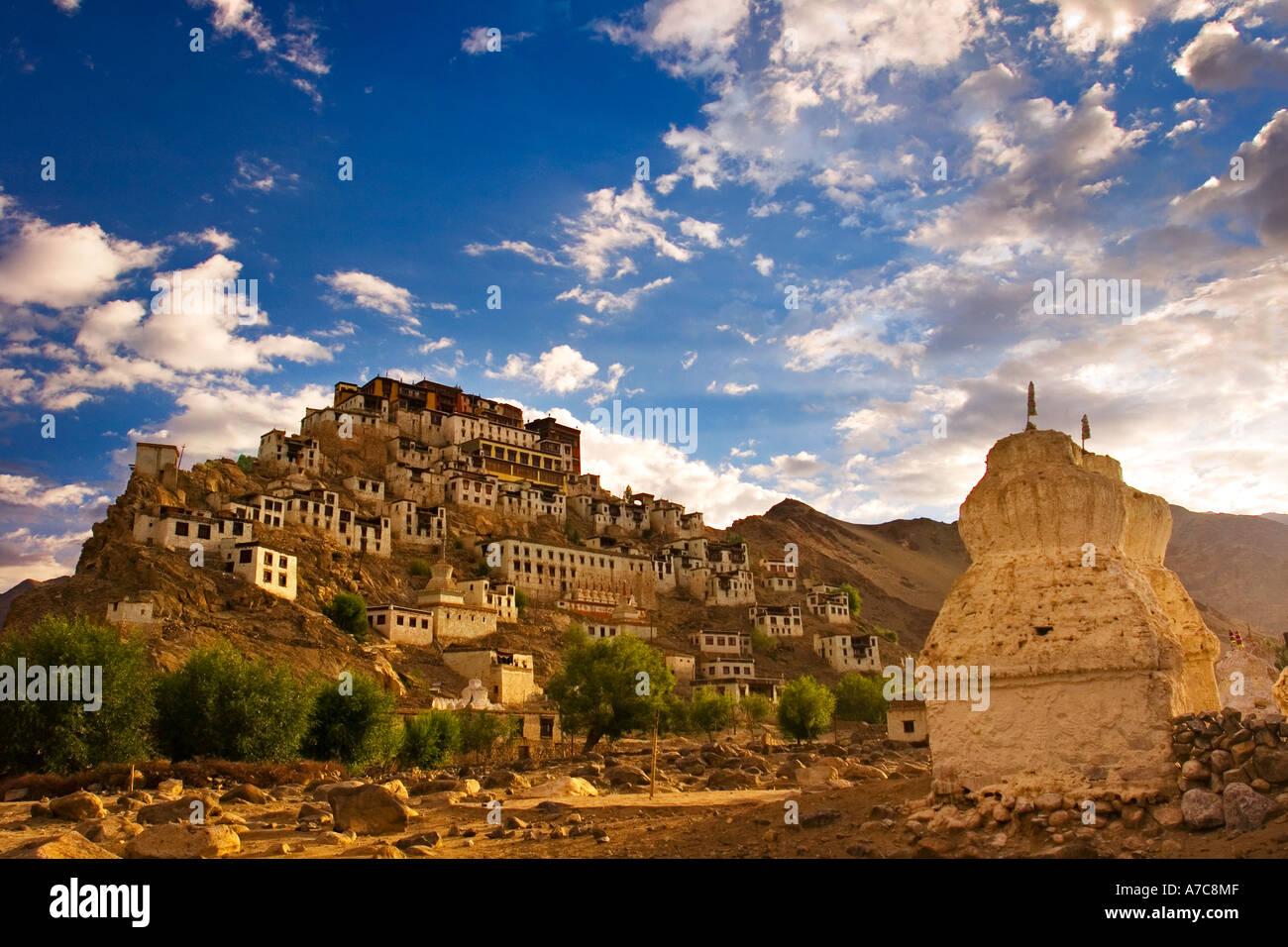 Thiksey Gompa di Sunrise Ladakh Himalaya indiano Immagini Stock