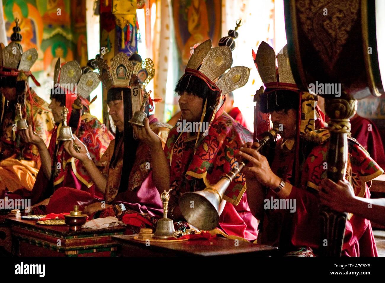 Giovani monaci e monaci dell Ordine Gelupa - Ladakh - Himalaya indiano Immagini Stock