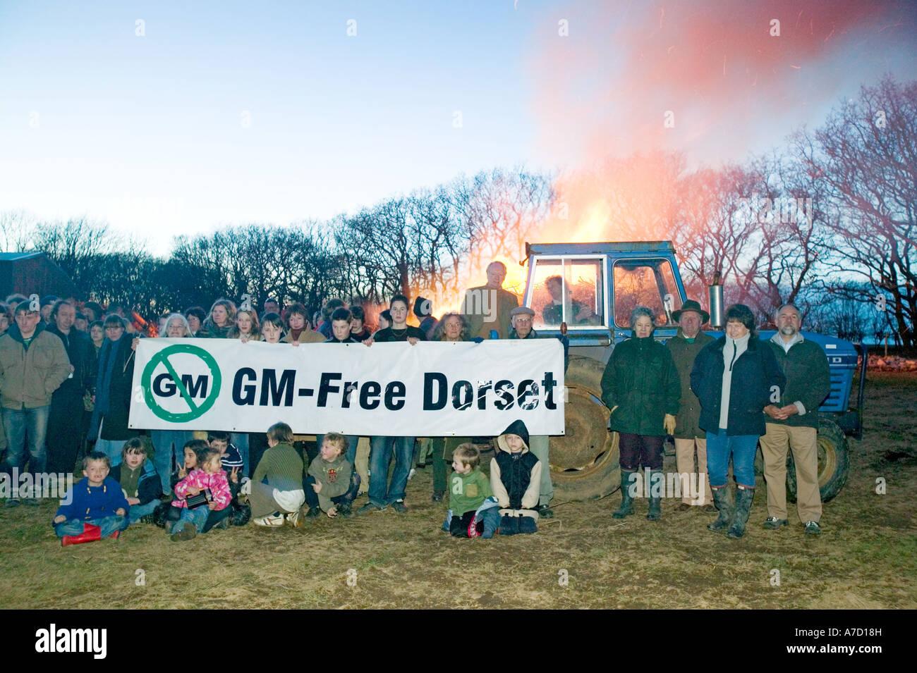 La protesta contro la GM le colture geneticamente modificate nel Dorset Immagini Stock