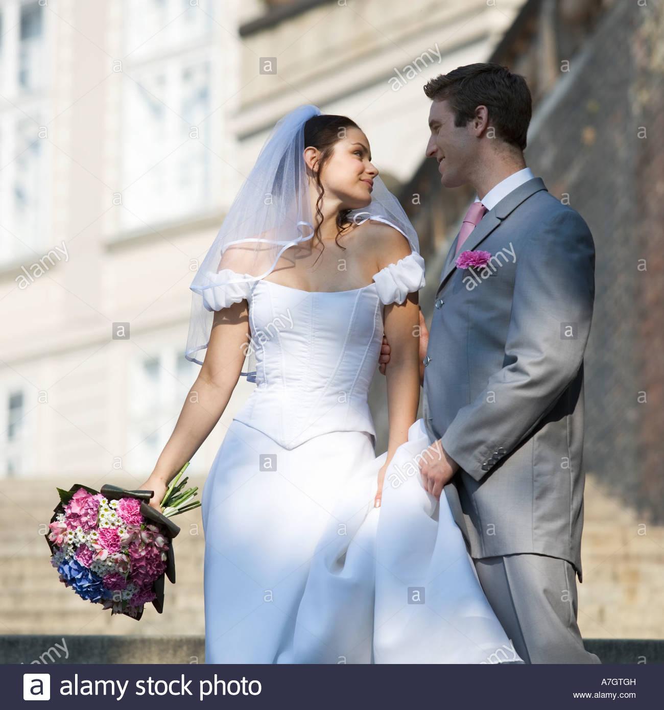 Ritratto di una sposa e lo sposo Immagini Stock