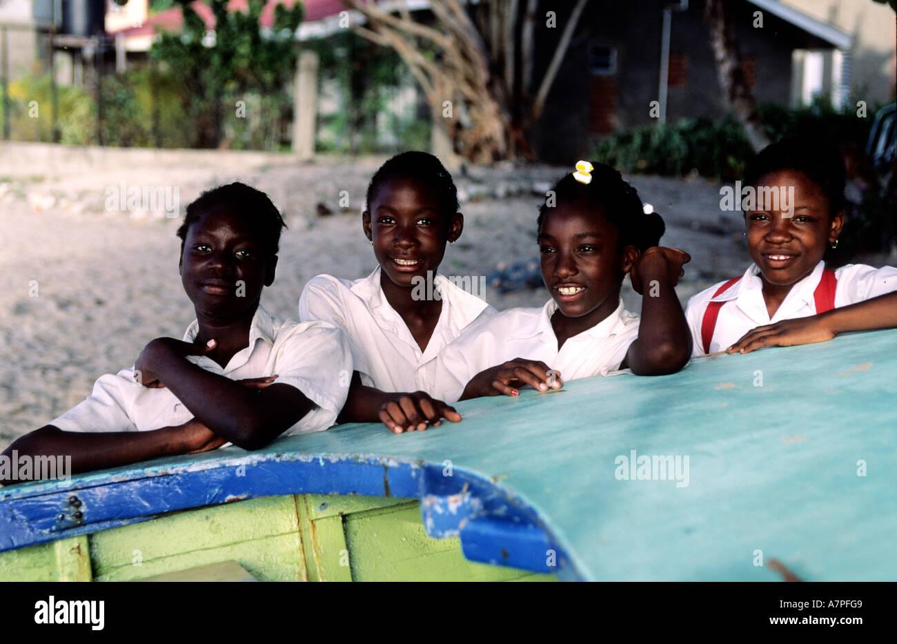 Isola di Grenada, bambini a Grand Anse Beach Immagini Stock