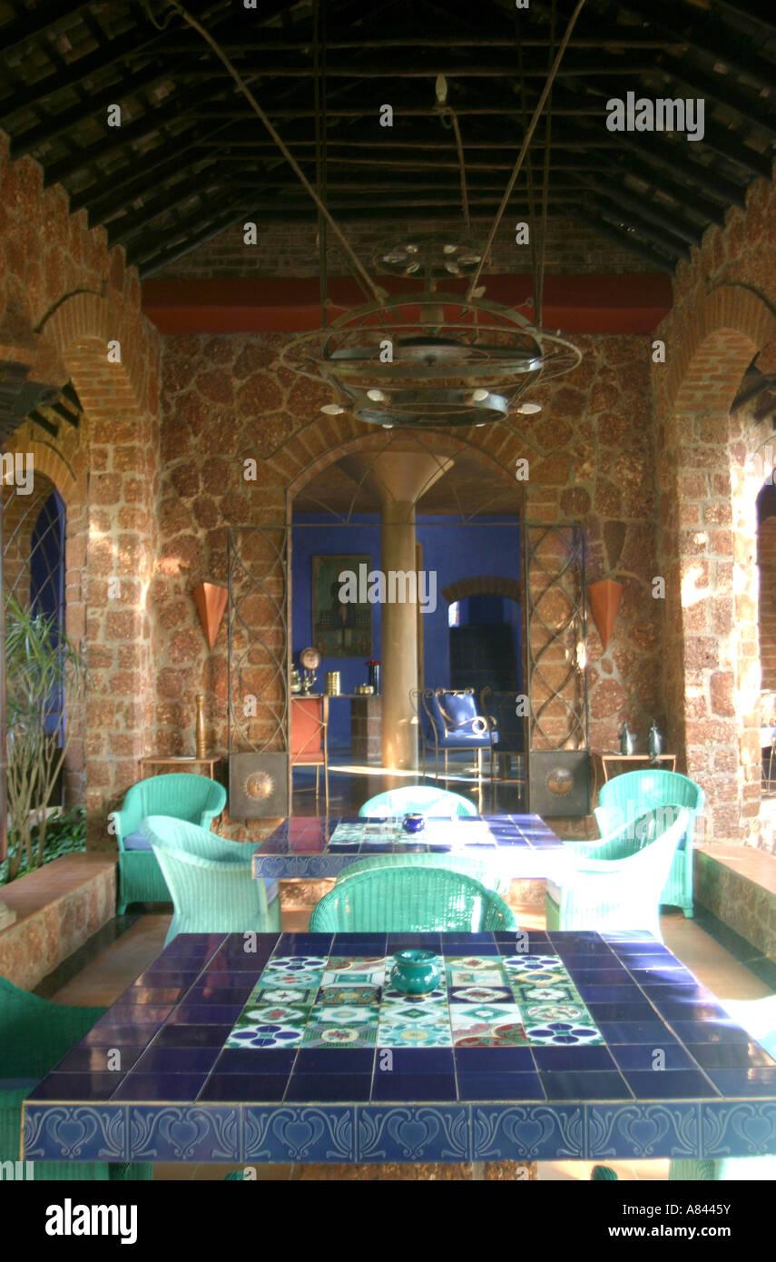 La loggia della spettacolare progettato Nilaya Hermitage boutique hotel in Goa in India Immagini Stock