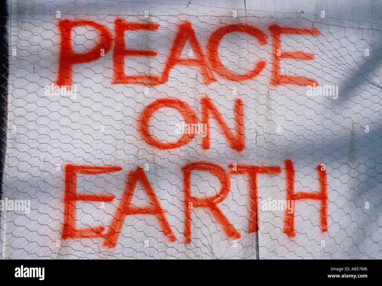 Dimostrazione pacifica messaggio sul banner. La pace sulla terra. Immagini Stock