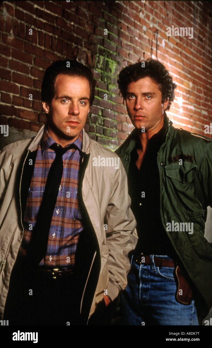 Vivere e morire a Los Angeles - 1985 Nuovo Secolo film con John Turturro a sinistra e William Dafoe Immagini Stock