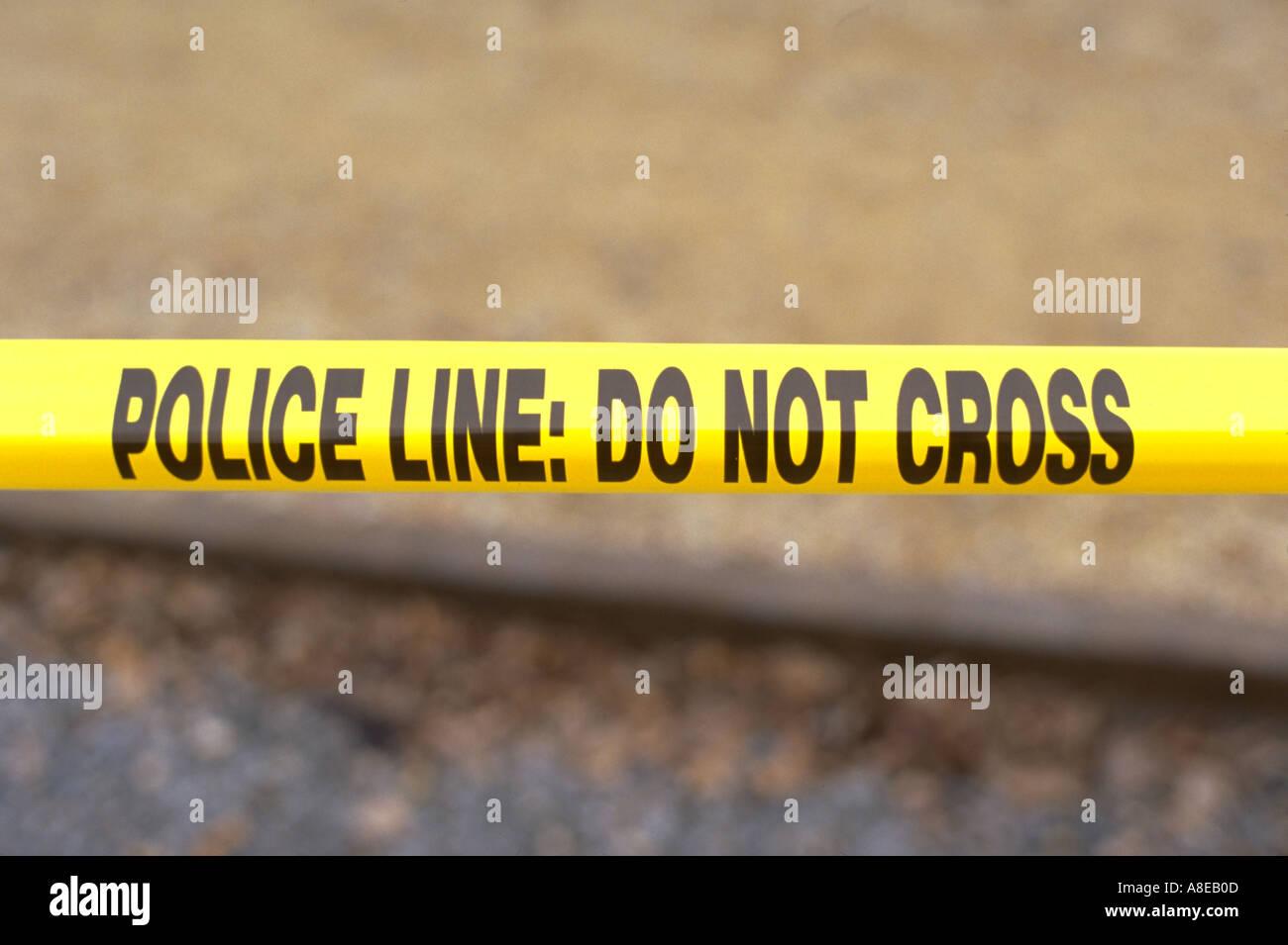 Giallo linea di polizia su nastro: Non si incrociano al Cinco de Mayo Festival. St Paul Minnesota USA Immagini Stock