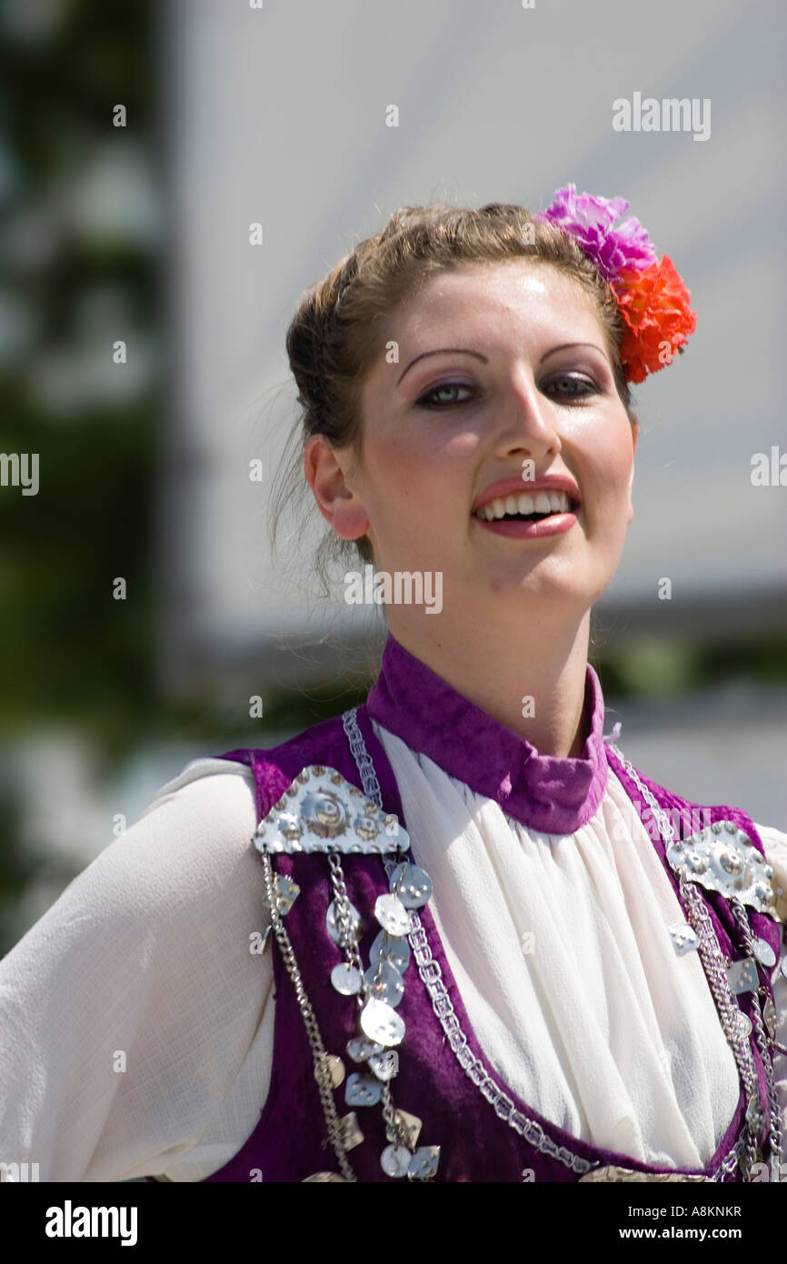 Folklore danzatrice, Festival di Rose, Bulgaria, Europa Immagini Stock