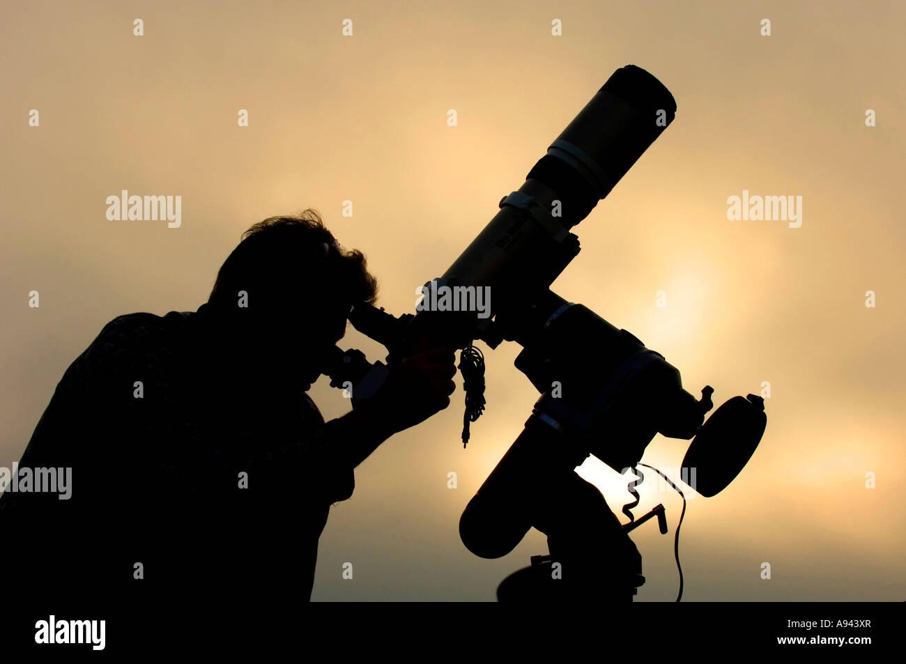Astronomo di notte Immagini Stock