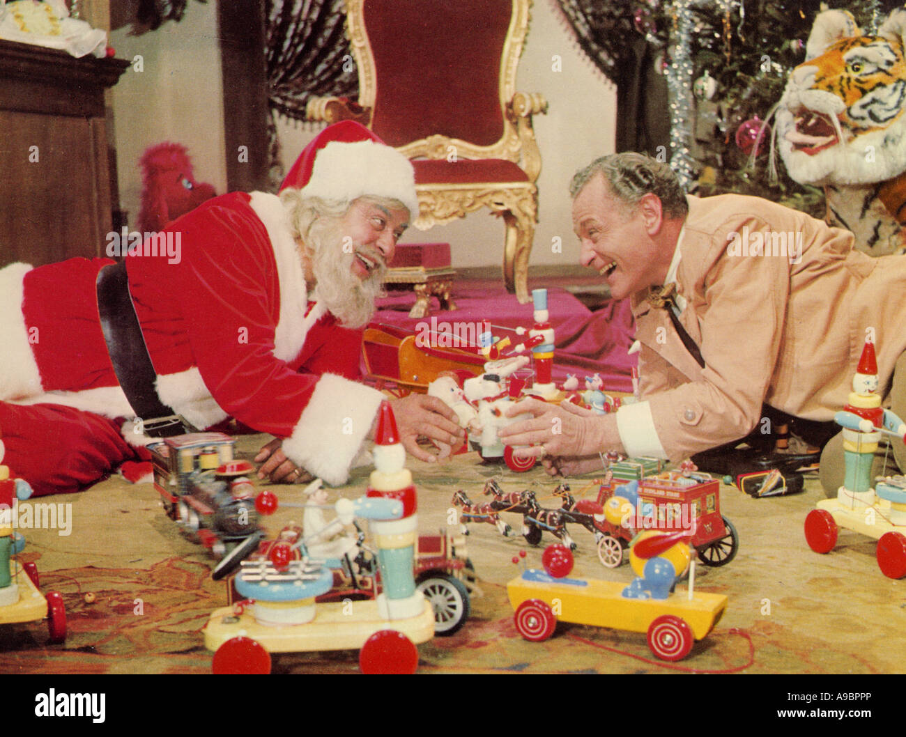 Il Natale che quasi non era - 1966 Bambi Productions film con Alberto Rabagliati a sinistra Immagini Stock