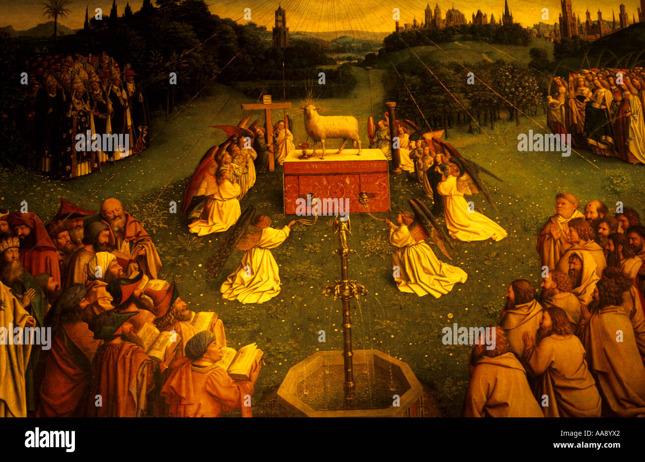 L adorazione dell'Agnello f da Hubert van Eyck e Jan van Eyck Cattedrale di St Bavon del XII secolo Gent Belgio Foto Stock