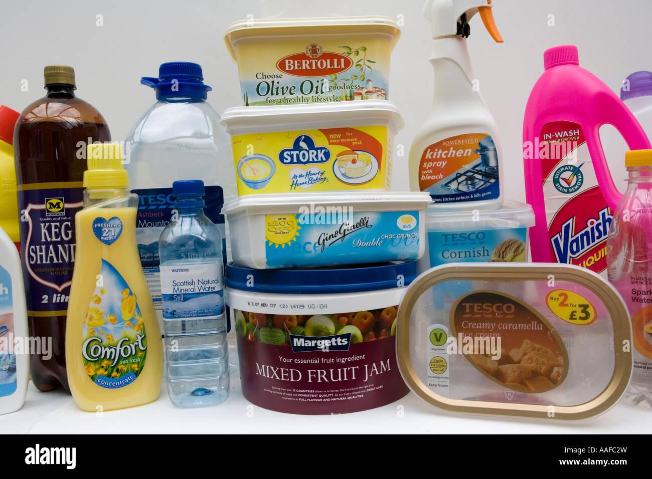 Articoli Plastica Per La Casa.Varieta Di Articoli Per La Casa E Prodotti Alimentari In