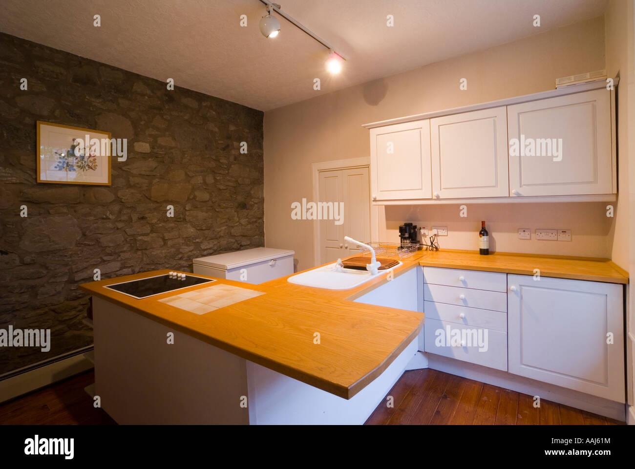 Cucina In Pino Naturale : Montato in legno naturale in cucina un 200 anno vecchia casa in