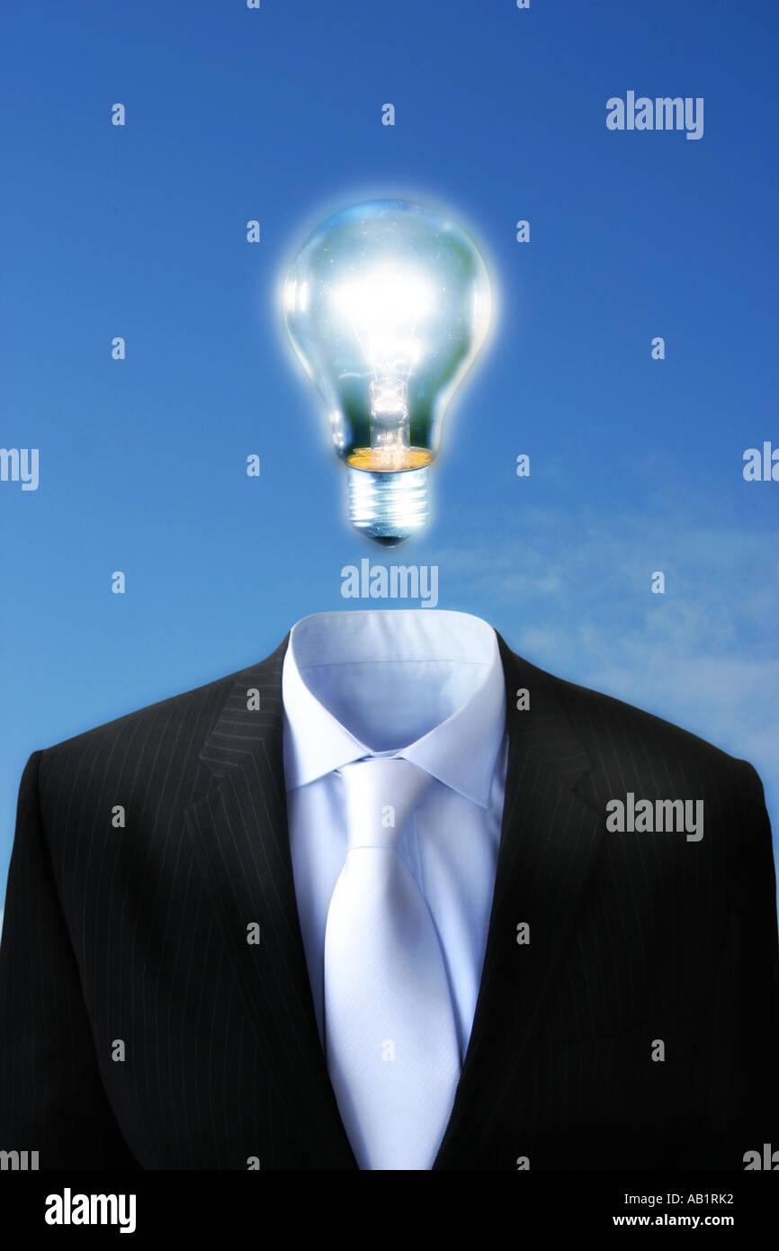Una lampadina al di sopra di una tuta Immagini Stock