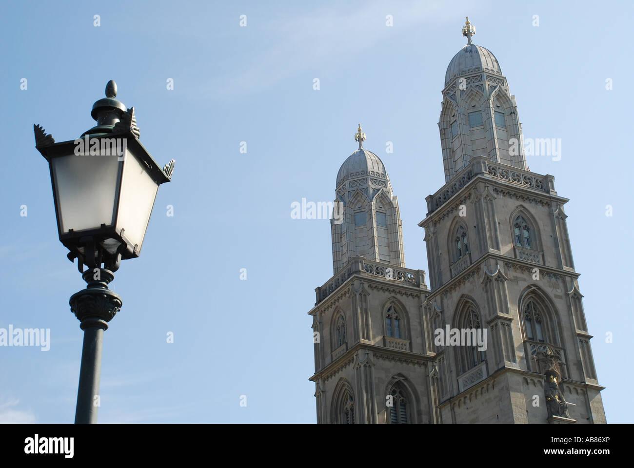 Türme Großmünster mit Laterne Zürich Schweiz Foto Stock